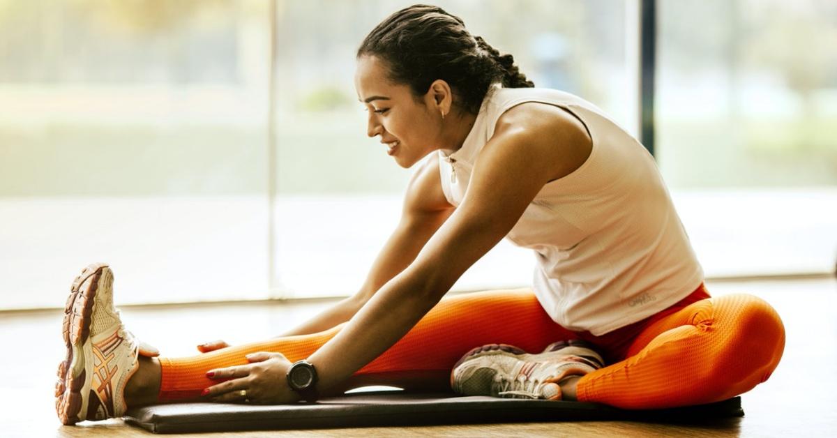 donna con dolore cronico che pratica attività fisica.