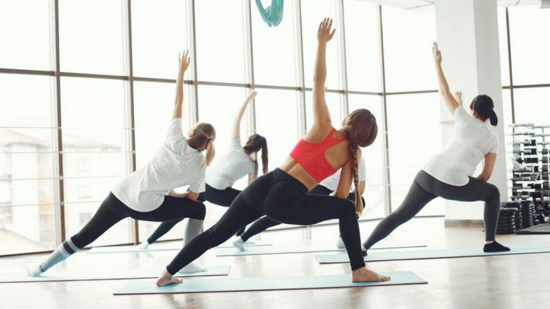 donne che praticano pilates contro lombalgia cronica non specifica