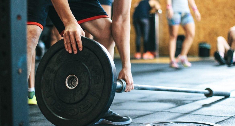 ragazzo con addiction che pratica esercizio fisico
