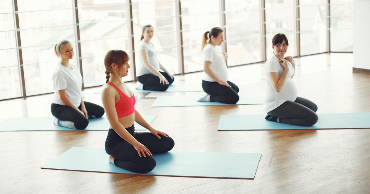 donne in gravidanza che fanno esercizio fisico per lombalgia