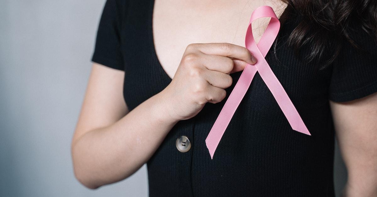 donna con alterazioni posturali post mastectomia